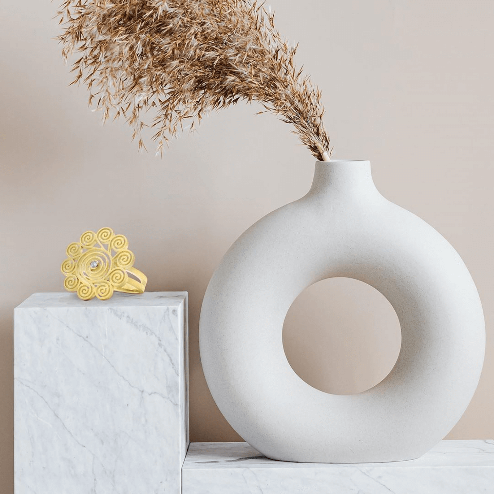 Spirale bague marguerite or et diamant