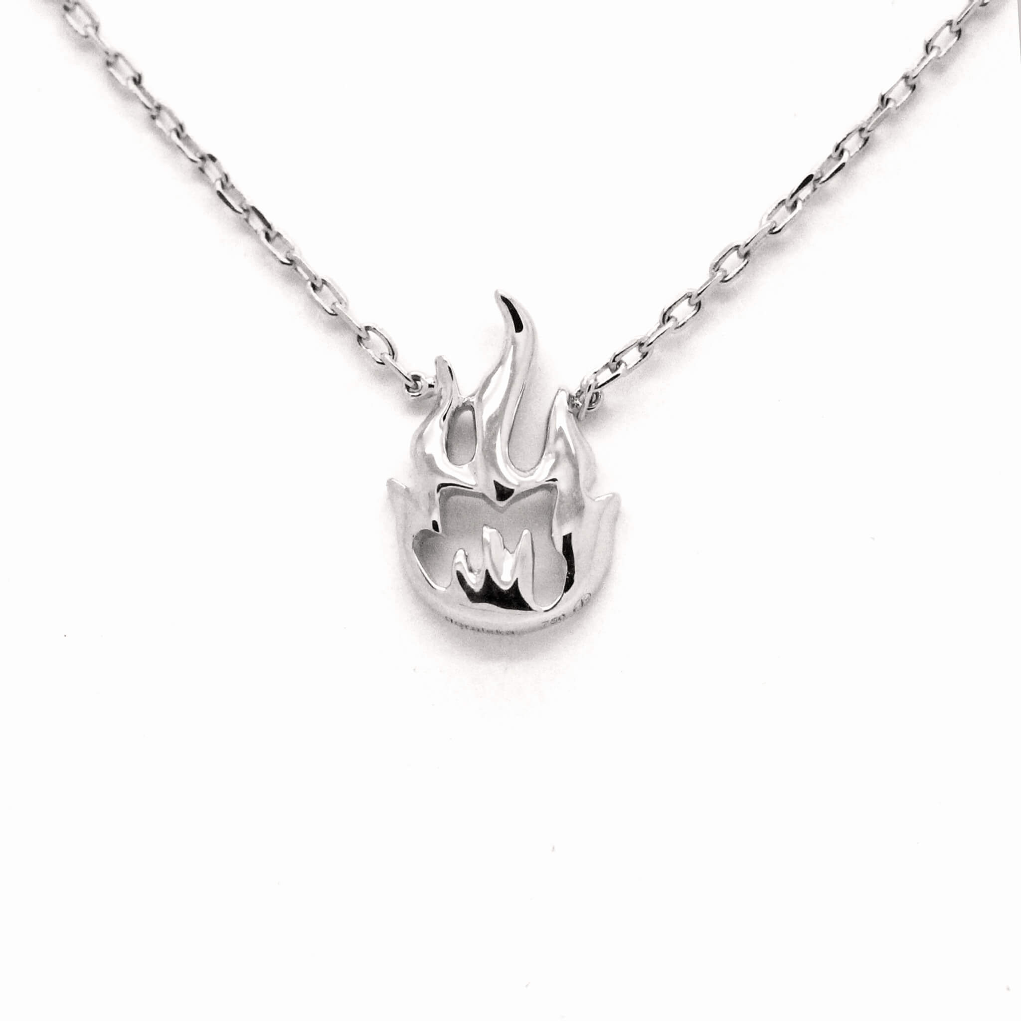 flamme collier or blanc