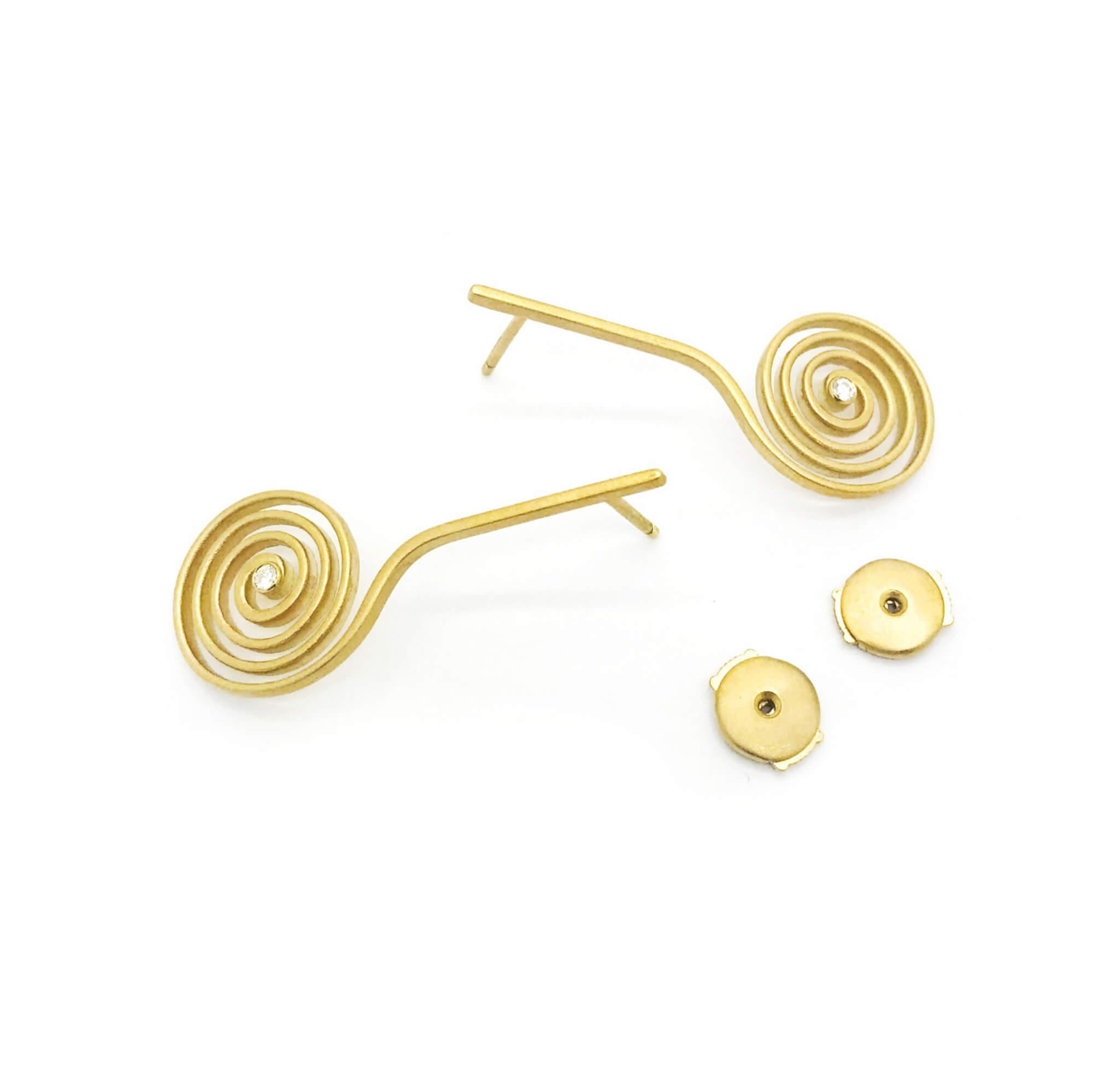 Spirale boucle d'oreilles or diamant